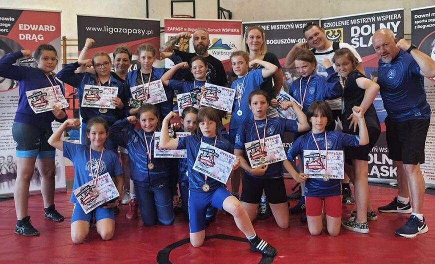 Liga Dolnośląska w zapasach – medale
